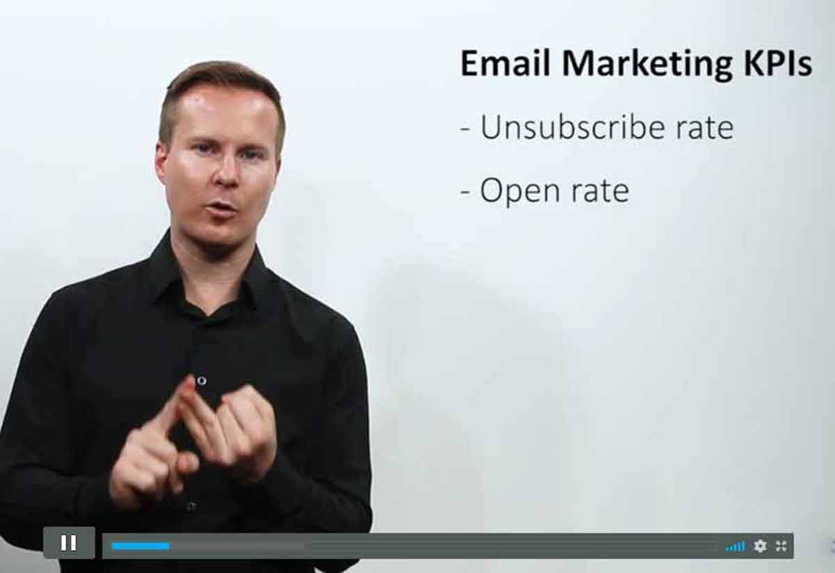 Email Marketing Class - Digital marketing instructor teaches you how to build a marketing email